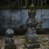 川鳥八幡神社横の宝篋印塔